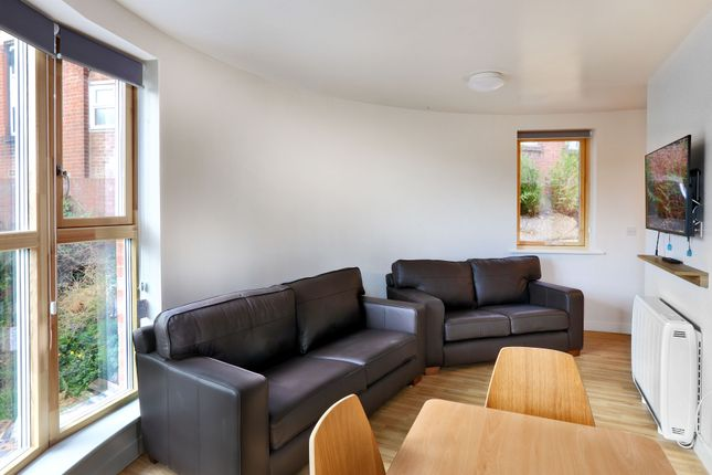 Thumbnail Flat to rent in Bevois Mews, Earls Road, Southampton