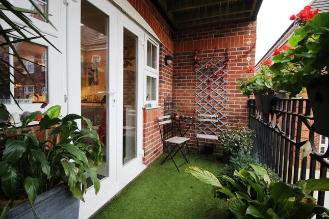Thumbnail Flat for sale in Dorchester Court, Camberley