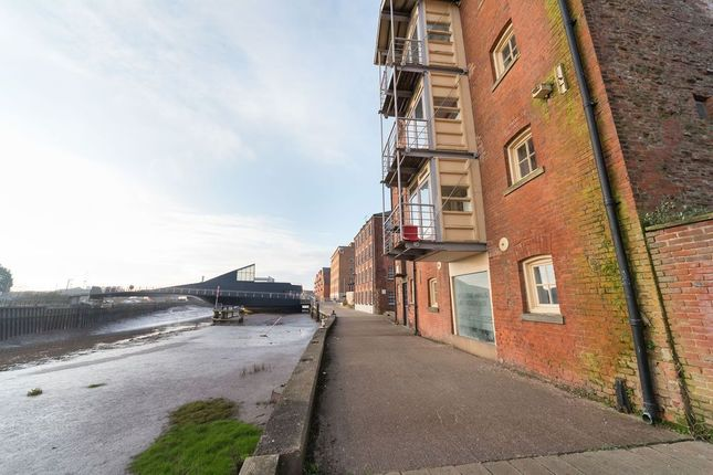 Thumbnail Flat to rent in High Street, Hull
