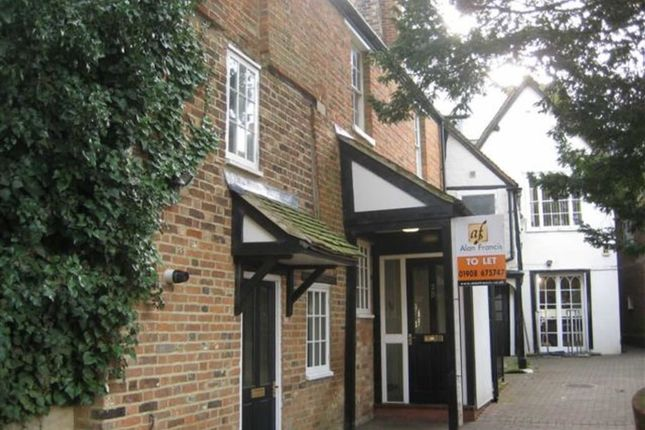 Thumbnail Flat to rent in Union Street, Newport Pagnell, Newport Pagnell, Bucks