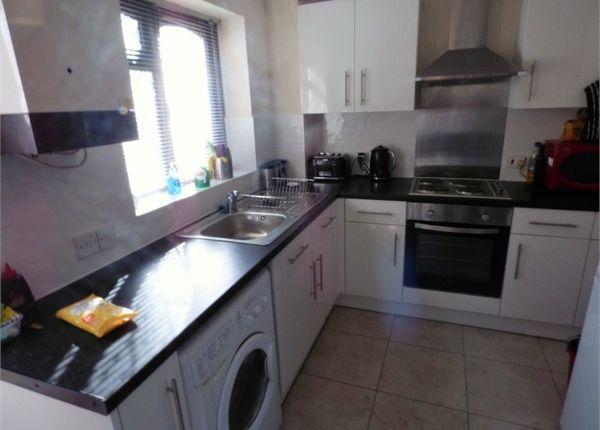 Thumbnail Semi-detached house to rent in Kilmington Close, Bracknell, Berkshire