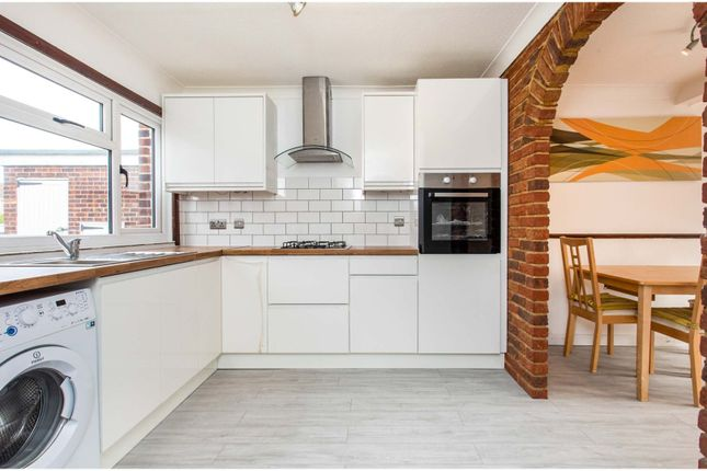 4 bed end terrace house to rent in Eleanor Avenue, Epsom KT19