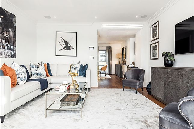 Thumbnail Town house to rent in Oxbridge Terrace Townhouses, Hammersmith, London
