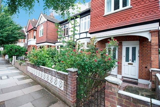 Thumbnail Flat for sale in Burlington Avenue, Kew, Richmond, Surrey