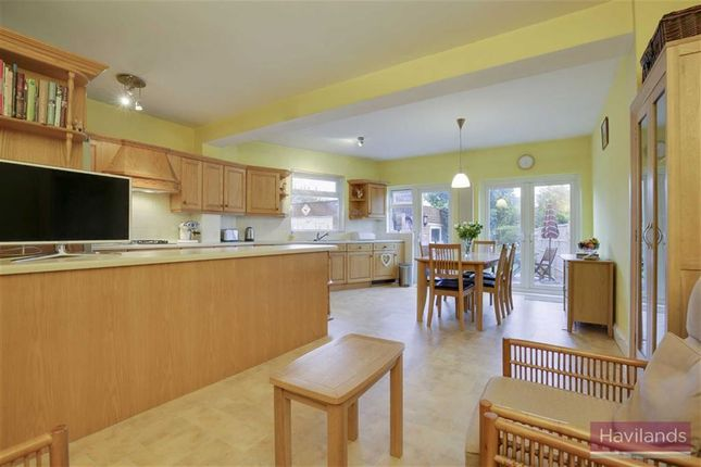 Thumbnail Property for sale in Tenniswood Road, Enfield