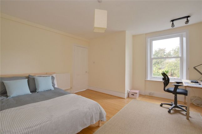 Picture No. 13 of Southbrook Road, Lee, London SE12