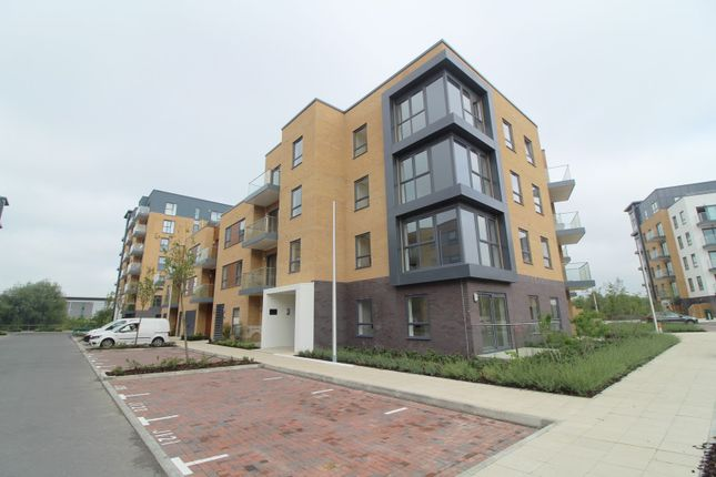 Thumbnail Flat to rent in Peregrine House, Bedwyn Mews, Reading
