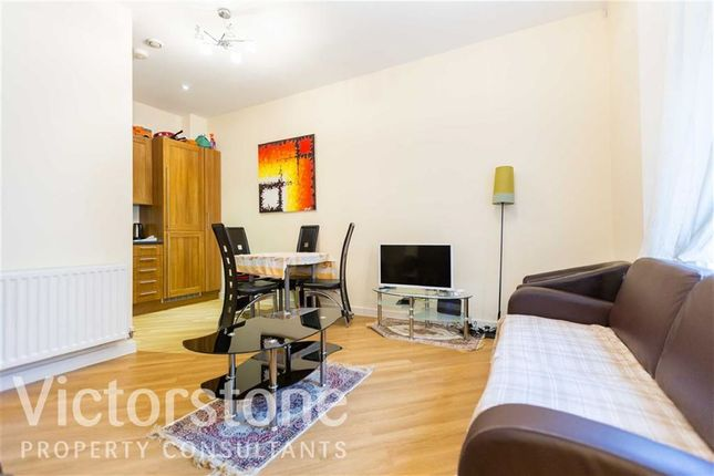 Thumbnail Flat to rent in Glengall Road, Kilburn, London
