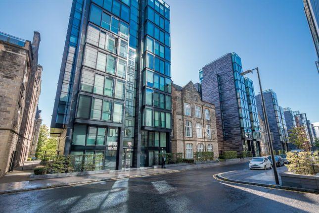 Thumbnail Flat for sale in 24/20 Simpson Loan, Edinburgh