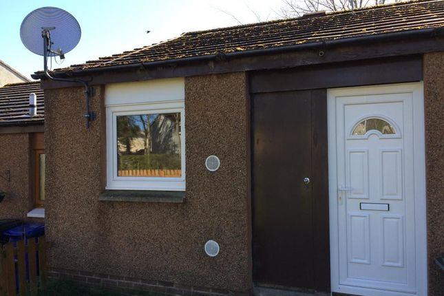 1 bed bungalow to rent in Royal Court, Penicuik, Midlothian EH26