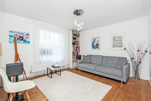 Thumbnail Flat to rent in Glasshouse Walk, London