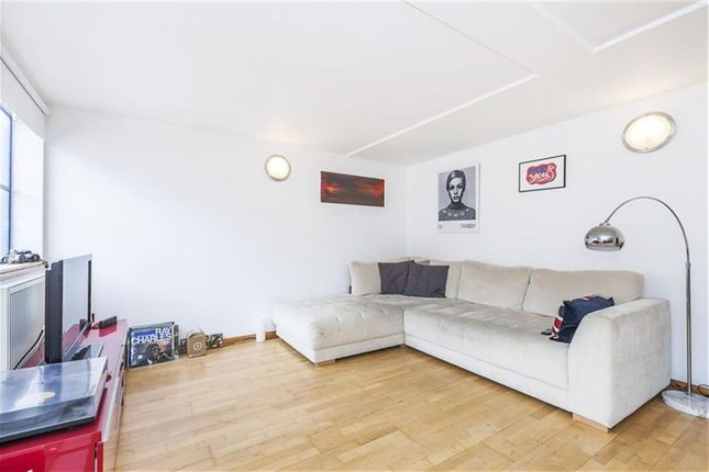 Thumbnail Flat to rent in Millenium Harbour E14, Canary Whar, Isle Of Dogs,