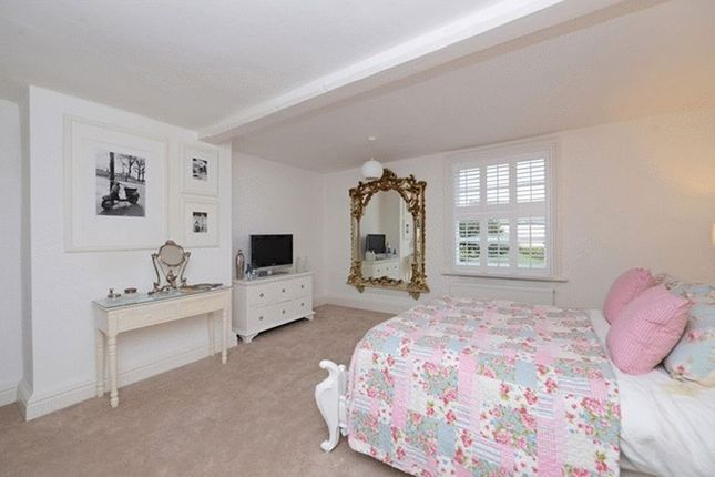 Bedroom of Barnston Road, Heswall, Wirral CH61