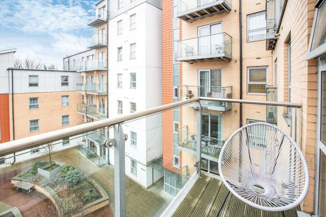 Balcony of Queen Mary Avenue, London E18