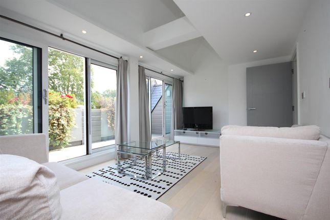 Thumbnail Flat to rent in Ealing Green, Ealing