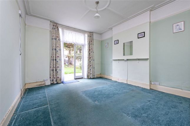 Living Room of Louisville Road, London SW17