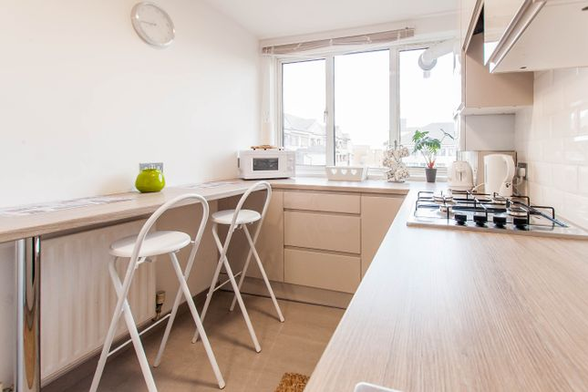 Kitchen of Lilestone Street, Lisson Grove, Central London NW8