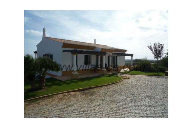 3 bed detached house for sale in Faro (Sé E São Pedro), Faro (Sé E São Pedro), Faro
