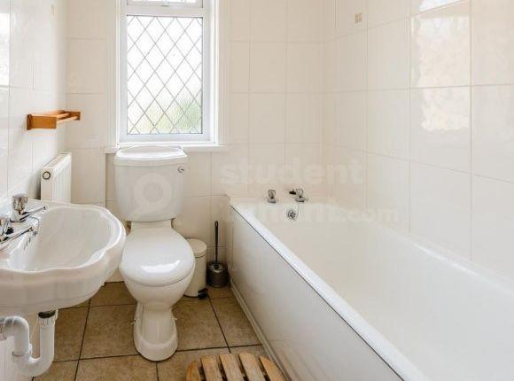 140 Alder Road - Bathroom (Af)