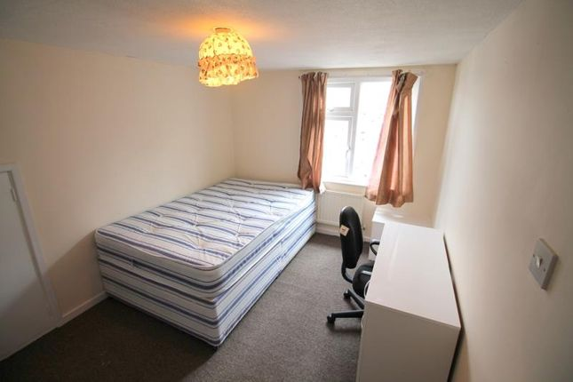 Thumbnail Shared accommodation to rent in Marlborough Road, Roath, Cardiff