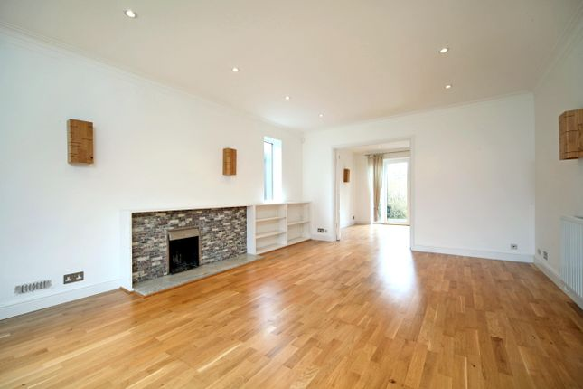 Thumbnail Detached house to rent in Amersham Hill Gardens, High Wycombe, Buckinghamshire