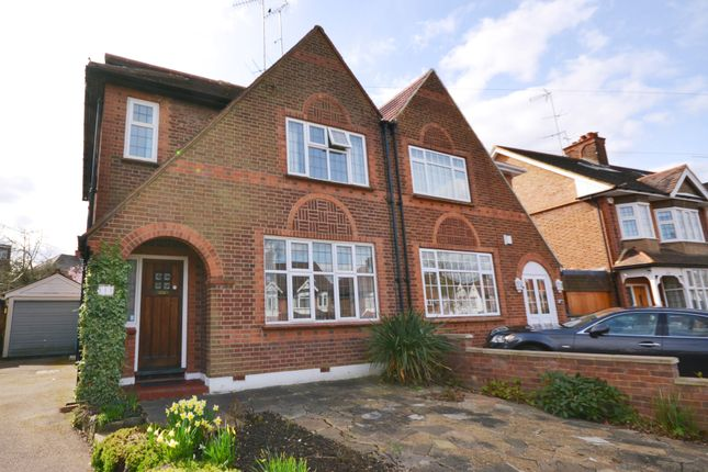 4 bed property to rent in Chanctonbury Way, Woodside Park, London