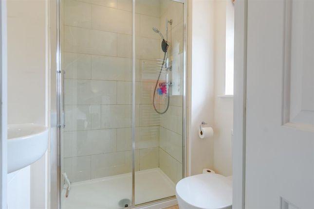 En-Suite of Longbridge Drive, Easingwold, York YO61
