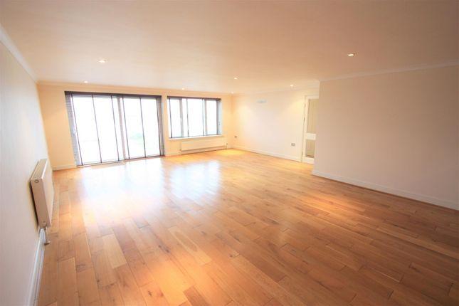 1 Longshore Apartments Lounge