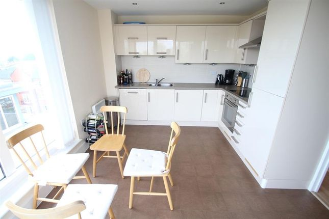 Thumbnail Penthouse to rent in Coxhill Way, Aylesbury