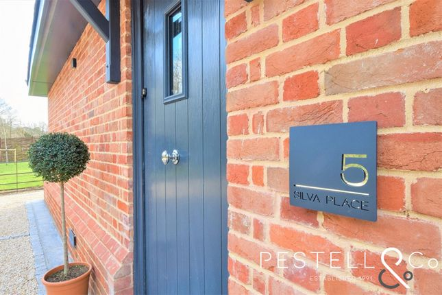 Thumbnail Mews house for sale in High Lane, Stansted