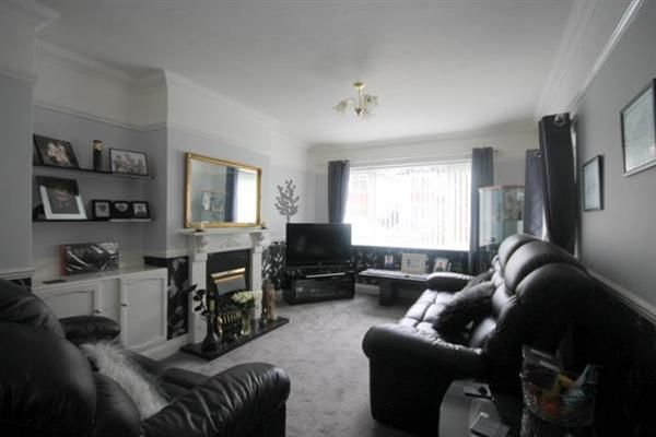 Thumbnail Flat for sale in Pole Barn Lane, Frinton-On-Sea
