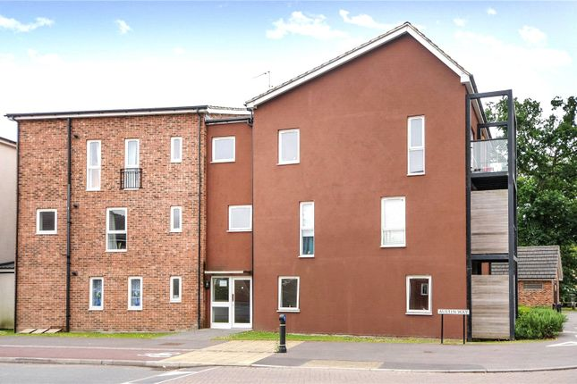Thumbnail Flat to rent in Austin Way, Bracknell, Berkshire
