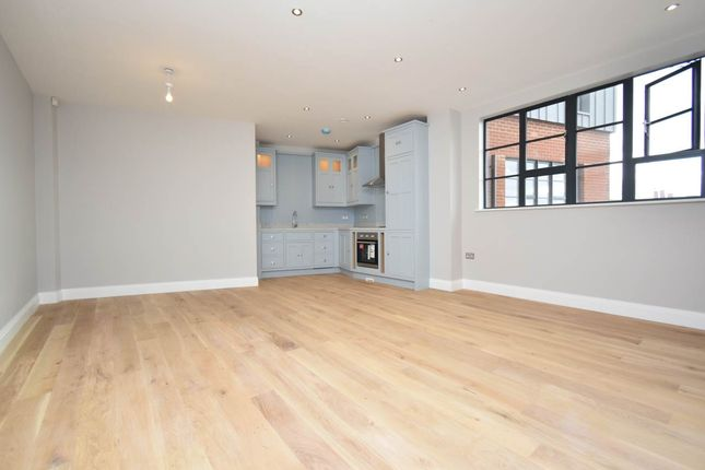 Thumbnail Flat to rent in Southbrook House, 25 Bartholomew Street, Newbury