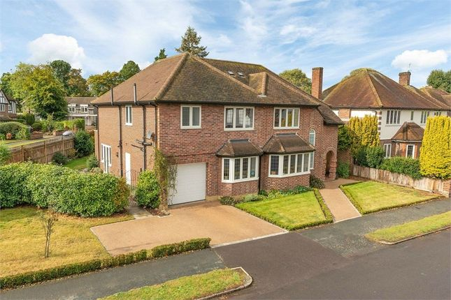 Ashley Close, Walton-On-Thames, Surrey KT12