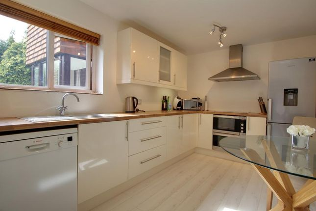 Thumbnail Flat for sale in The Beeches, Ash Vale
