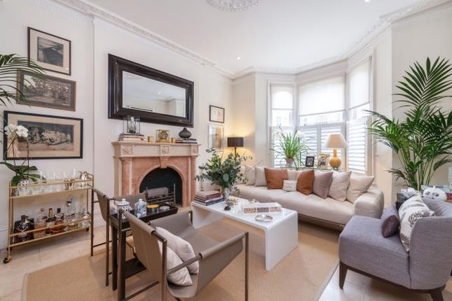 Thumbnail Terraced house to rent in Chesilton Road, London