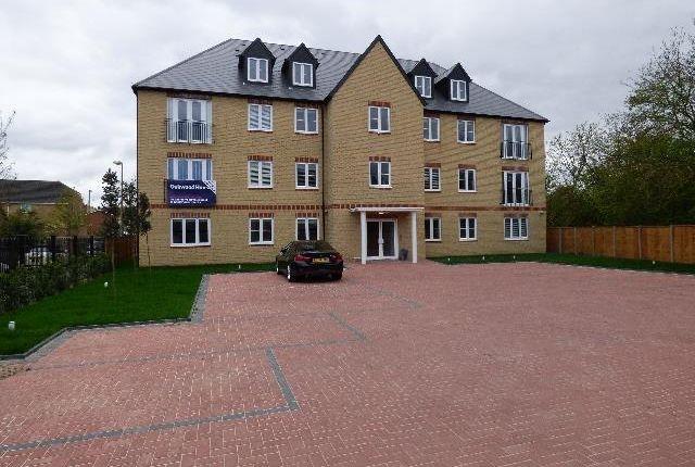 Thumbnail Flat to rent in Station Road, Elstree, Borehamwood
