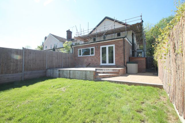 Thumbnail Town house to rent in Medway Drive, East Grinstead