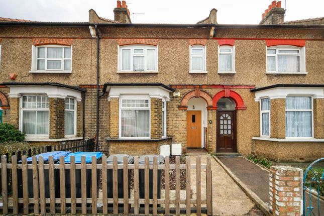 Thumbnail Flat for sale in Hertford Road, Waltham Cross