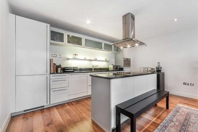 3 bed flat to rent in Grantully Road, Maida Vale, London