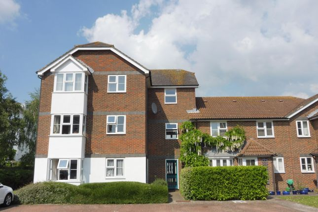 Thumbnail Flat to rent in Court Road, Lewes