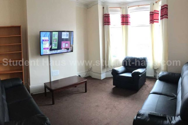 Thumbnail Property to rent in Carlton Road, Salford