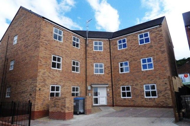 3 bed flat to rent in Churchill Road, Gateshead
