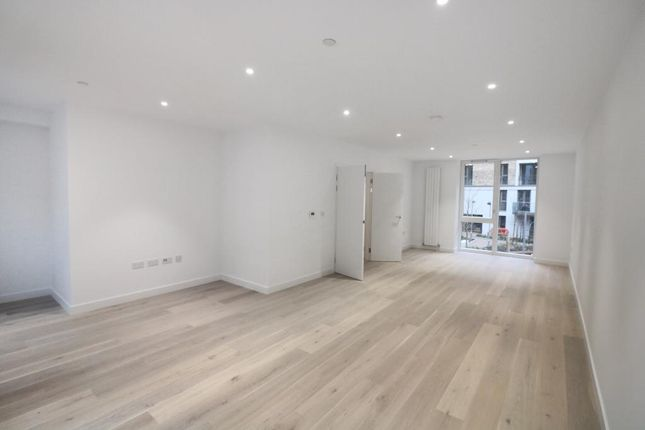 Thumbnail Town house to rent in Schooner Road, Royal Wharf, London