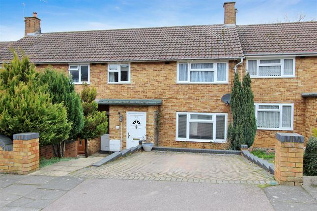 Thumbnail Terraced house for sale in Market Oak Lane, Hemel Hempstead, Hertfordshire