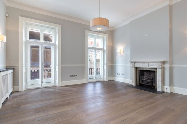 Flat to rent in William Street House, William Street, London