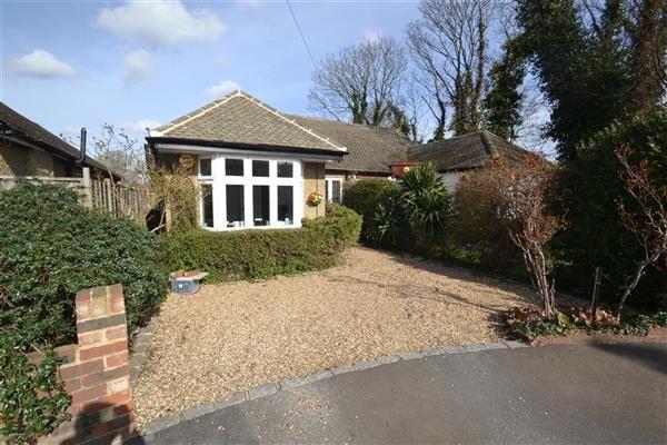 Thumbnail Bungalow for sale in Dorchester Drive, Feltham