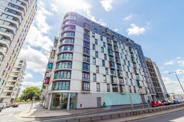 Thumbnail Flat for sale in Chatham Street, Reading