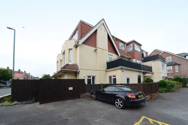 Thumbnail Flat for sale in 24 Sea Road Boscombe, Bournemouth