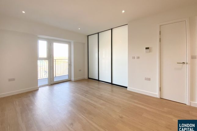 1 bed flat to rent in Beaufort Square, London NW9